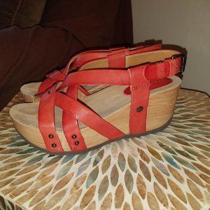 RED wedge sandal - size 7